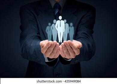 Influencer, líder de opinião, líder de equipe, CEO, líder de mercado e outros conceitos líderes de negócios.