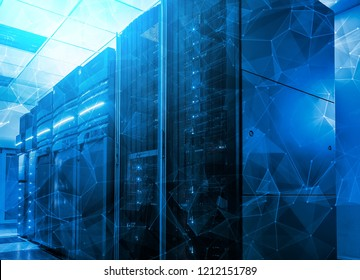 information flows with triangles and particles in the server room of the data center