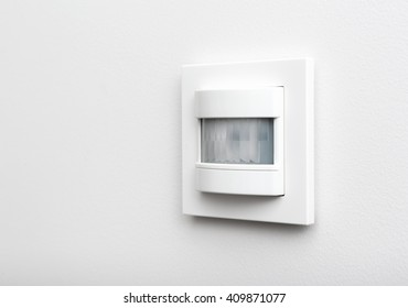 Infrared detector for smart home on the wall
