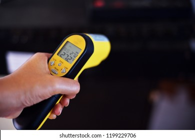 Pyrometer Billeder, lagerfotos og -vektorer | Shutterstock
