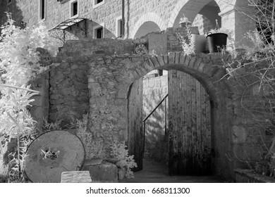 Infrared view of Entry door to Monaster