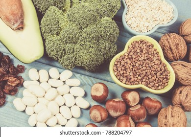 Ingredients or products containing vitamin B6 and dietary fiber, natural sources of minerals, healthy lifestyle and nutrition.