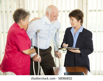 Injured man consulting an attorney about a lawsuit.