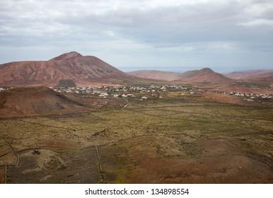 Inland Northern Fuerteventura, view east from Montana de Arena