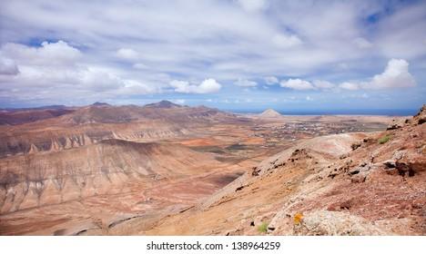 Inland Northern Fuerteventura, view west from Montana de Ecanfraga