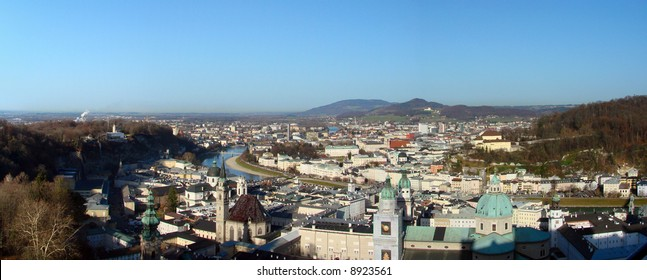 The inner city of Salzburg is separated by the Salzach river. The old sovereignty (Old Town) is located on the left riverbank. The right side is known as the Neustadt (New town).