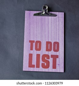 inscription on the board to do list