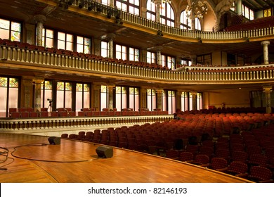 """Inside the 'Palau de la M?sica Catalana """"(Catalonian Music Palace), Barcelona, Spain. Headquarters of """"Catalan Choir"""" was founded in 1891."""