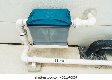 Installation of a grease trap
