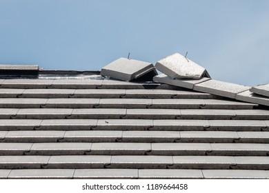 Installation roof tiles