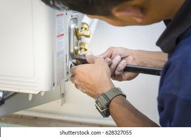 Installing air conditioner