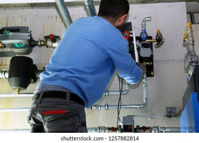 Installing of a heating system with alternative energy