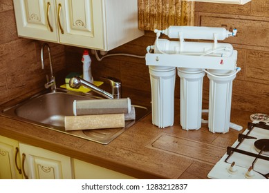 Installing a water filter
