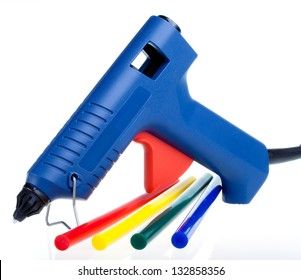 Instrument for repair and design works - the glutinous gun and color cores