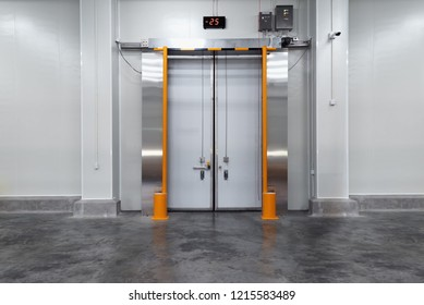 Insulation door of Freezing room in the cold storage or Warehouse.