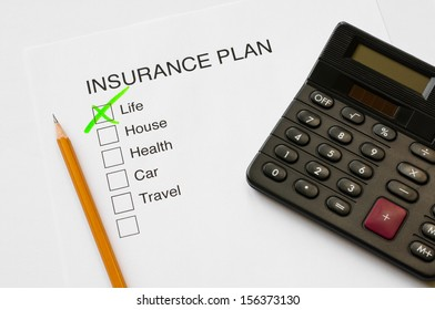 Insurance plan thick box diagram with tick on life