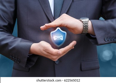 Insurer with protective gesture and icon of a car.