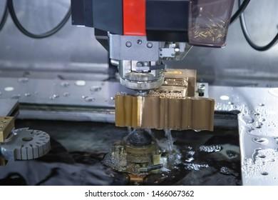 Intelligent automatic wire threader machine cutting small hole on workpiece