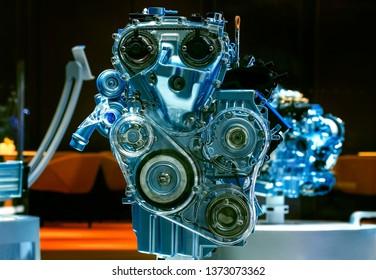 Intelligent fuel-efficient engine internal structure display