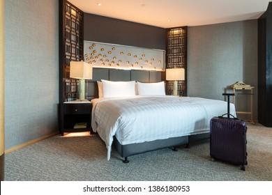 Inter views of modern hotel room.