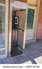 Old Fashioned Telephone Booth Images, Stock Photos & Vectors