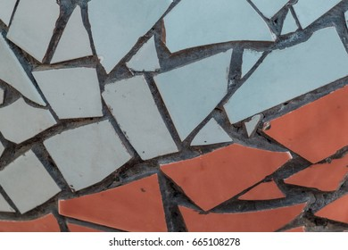 interesting wall patterns formed from shattered ceramics