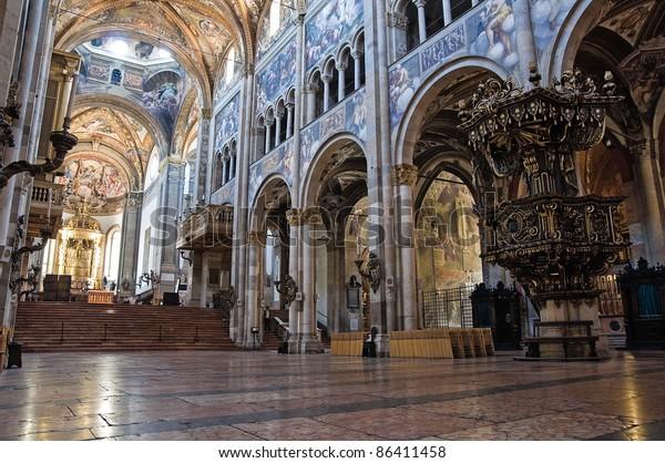 interior-cathedral-parma-emiliaromagna-i