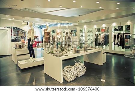 32de4b54f8e0 Stock fotografie na téma Interior Clothes Shop (k okamžité úpravě ...
