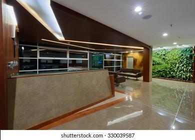 Interior design: Big empty modern office