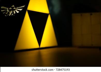 Interior light from zelda (Triforce)