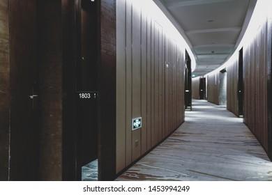 Couloir Appartement Nuit Images, Stock Photos & Vectors ...