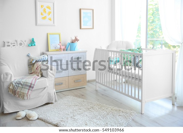 Inneneinrichtung des modernen Babyzimmers