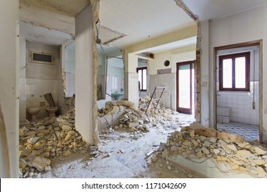 Interior photography. Apartment not renovated, room before renovation