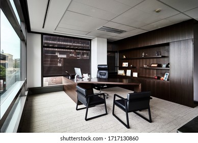 Interior photography of a luxury corporate corner office