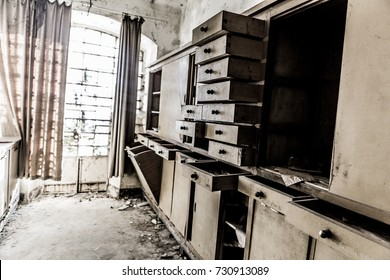 Old Abandoned Kitchen Bilder Stockfotos Und Vektorgrafiken Shutterstock