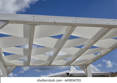 Interlacing fabric used as an wooden terrace cover