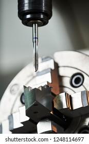 internal thread cutting process on cnc machine by tap