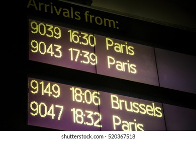 International train arrivals board