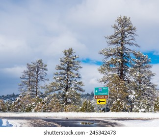 Interstate 40 and Route 66, West to Flagstaff sign.
