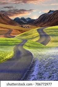 verflochtene Straßen, vier Jahreszeiten Fantasielandschaft. Zusammenführen in die Herbstlandschaft.