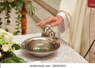 Inventory for baptism and the priest's hand in the Catholic Church. Incense, oil and holy water.