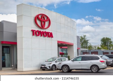 INVER GROVE HEIGHTS, MN/USA - JUNE 17, 2018: Toyota autombile dealership exterior and trademark logo.