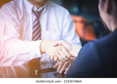 Investors get money from investors in the insurance business with the bank, businessman get money concept, bank customers come to negotiate a loan to invest.