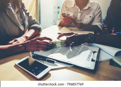 Investors get money from investors in the insurance business with the bank, businesswoman get money concept, bank customers come to negotiate a loan to invest.