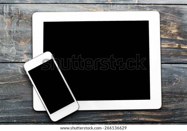 Ipade, phone, tablet.