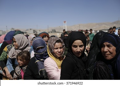IRAQ / Sulaymaniyah / Arbat Camp 26 Jan 2015   Arbat waiting for people during an aid distribution in refugee camps