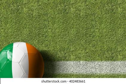 Une balle en Irlande dans un terrain de football