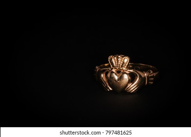 Irish Claddagh Ring in Yellow Gold