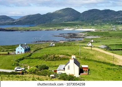 Irish farm houses cottages in West Kerry, Beara peninsula, popular holiday home destination in Ireland for short trips weekend road family drives. Surrounded by Nature, mountains, cliffs and ocean