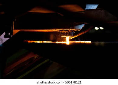 Iron casting on disamatic molding line. Iron foundry